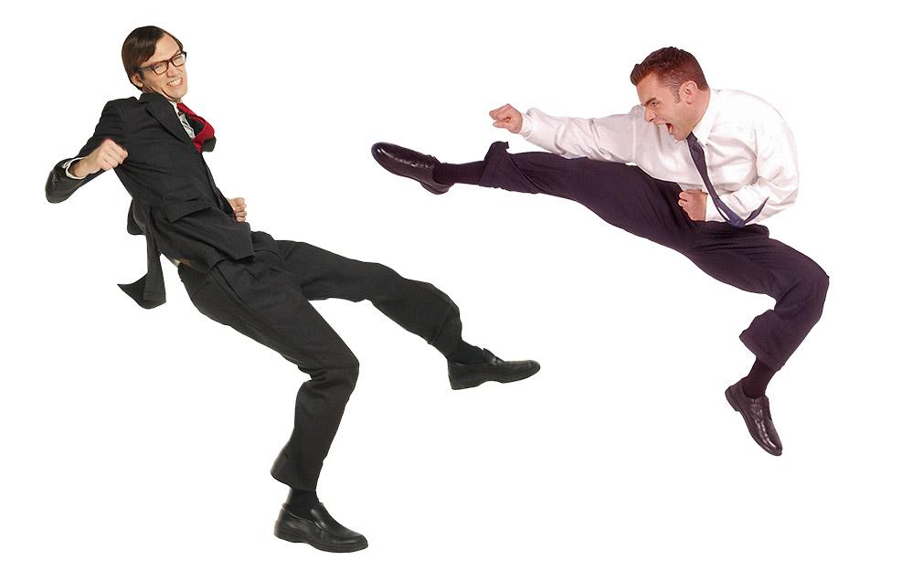 deux personnes se battent
